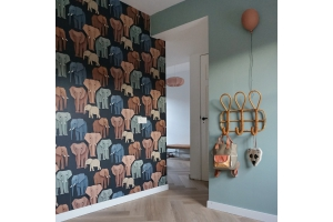 Colour advice elephant wallpaper
